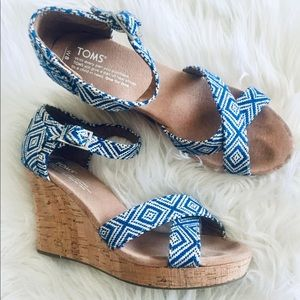 Shoes - Toms Wedges